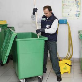 nettoyage des poubelles